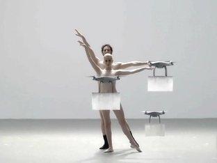 Naked on Stage-002 Nol010
