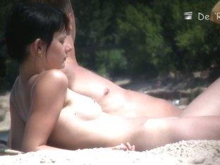 A beach voyeur video of a splendid female body