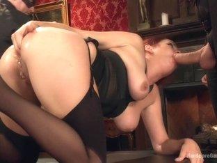 High End Slut services BDSM Gentlemen's Club!!