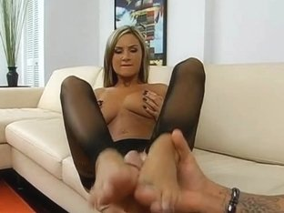 Foot Job From The Gorgeous Amy Ried