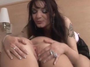 UK pornstar Loz Lorrimar cutie-hotty with Samara