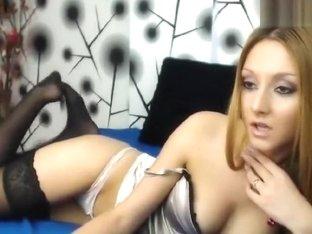 Arielle69: redhead hottie fucks her pussy
