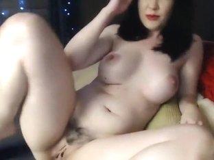 Stunning Webcam Babe Fingering her Cunt Hard