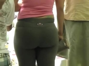 Nice ass and cameltoe girl in tight pants