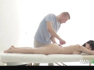 Serena in Cock With My Massage Please