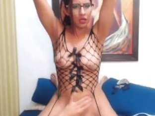Busty Hot Nerd Doing Pussy Masturbation on Cam