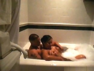 Black girl rides her bodybuilder bf reverse cowgirl in the jacuzzi