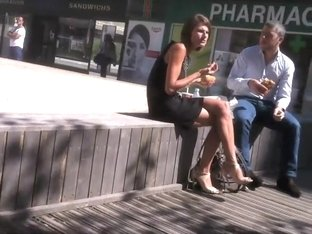 Quick lunch with a sexy coworker