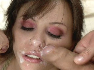 An innocent tourist gets fucked and creamed