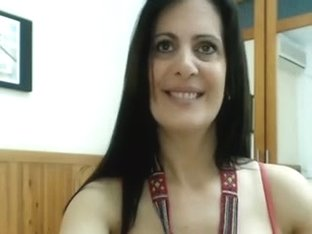 Hawt mature i'd like to fuck and toy