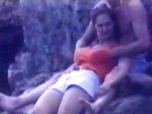 Candid beach camera filmed a gorgeous vixen