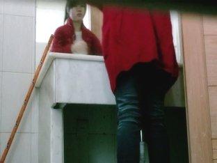 Sexy pissing chicks are filmed by the voyeur spy