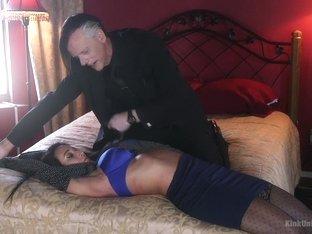 Amazing fetish, squirting xxx scene with exotic pornstar Virginia Tunnels from Kinkuniversity