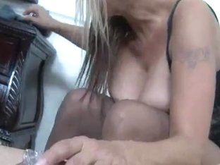 Cook Jerking Mommie - Debi Diamond