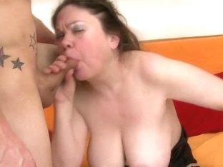 Chunky mamma likes to fuck hard and lengthy