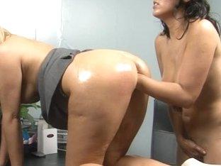 Veronica Knocks,Anna Joy in PornXN video:Fisting Sluts