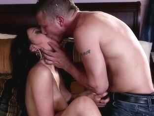 Slutty Latina goes deepthroat and fucks hard