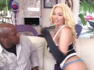Huge ass babe Summer Brielle