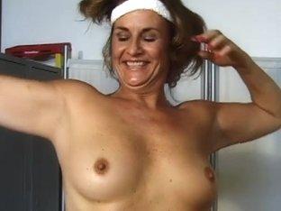 Video from AuntJudys: Liz