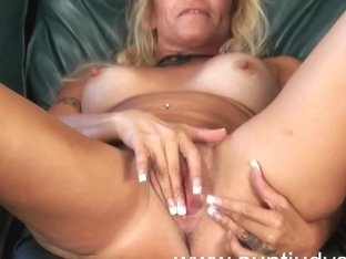 Golden-Haired mother i'd like to fuck housewife Yvette Williams shows u merry bra buddies