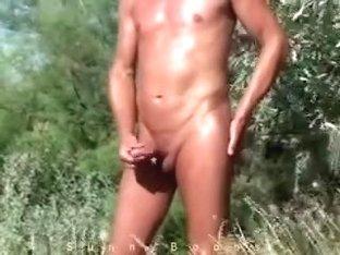 masturbating behind beach