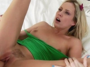 Kiara Diane swallows cocks for a facial cumshot