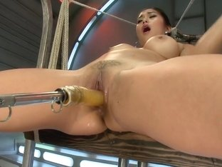 Mia Li and her Unsinkable Pussy