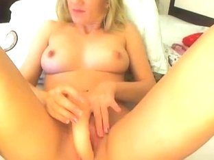 Sexy Blonde Toys her Pussy Till she Climax