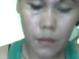 Filipino woman