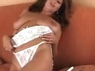 Large titties hottie fingering her snatch