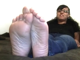 Homemade solo clip with me demonstrating my feet for the cam