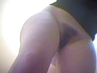 Spy cam chick from the dressing room has great trimmed cunt