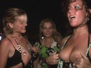 night out with extremely hotandwild party girls flashing