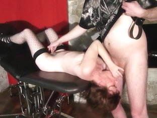 sandy femme soumise gagging arse licking drubbing