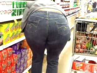 Massive Black Ass Bending Over Gettin Soda.