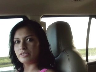 Stranded amateur sucking a dick in the car