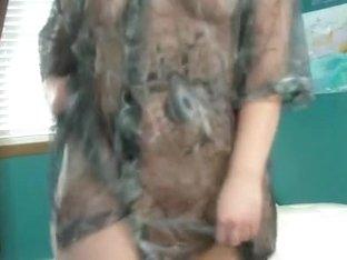I'm doing a striptease on webcam