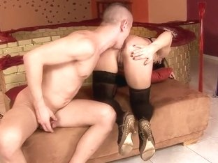 Liza Bird has her ass licked before hardcore sex