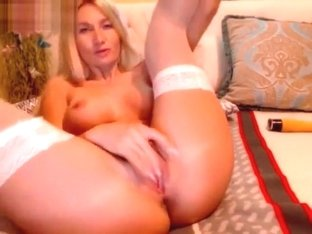 Diva (Elyta) suck the plastic dildo