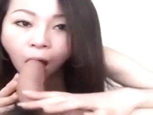 girl in singapore