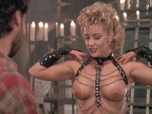 Bordello of Blood (1996) Kiara Hunter