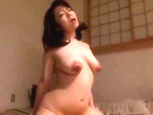 Kawashiro Mayumi in Crawl on the mother at night; Kawashiro Mayumi