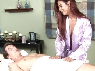 Massage-Parlor: Junk In Her Trunk