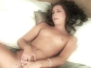 GenesisMagazine Video: Georgia Jones
