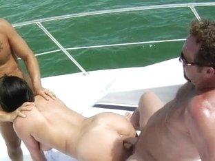 MilfHunter - Sex aground