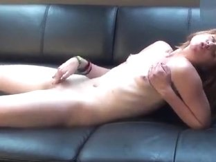 Kailee_Stark masturbates on a leather couch