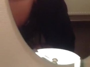 Wedding party bathroom blowjob. that's the bride's girl !!!