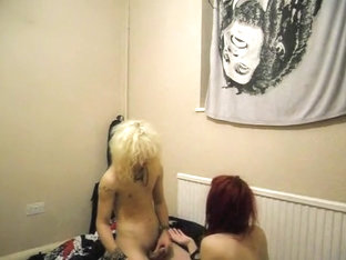 Emo honey can't live out of his hard cock
