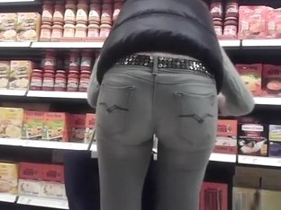 Hot milf in tight pants nice ass and cameltoe
