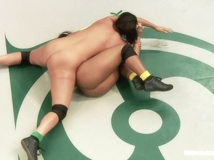 Super Voluptuous Welter Weights battle it out in the Quarter finals.